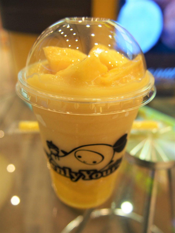 タイでのゴルフで甘いモノが食べたくなったら…「イェンリー・ヨアーズ」の「特製マンゴー・スムージーとマンゴー・ゼリー」