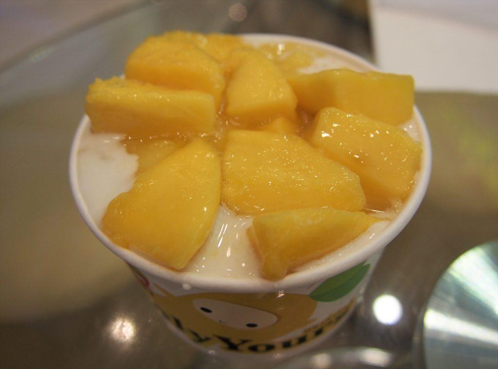 タイでのゴルフで甘いモノが食べたくなったら…「イェンリー・ヨアーズ」の「マンゴー・スムージーとマンゴー・プディング」