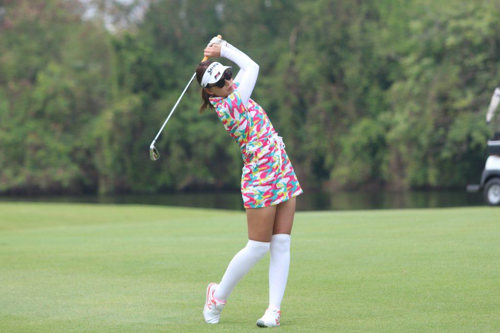 ゴルフタイランドで行く!タイ、バンコクでのゴルフ合宿。「タナシティー」でのショット