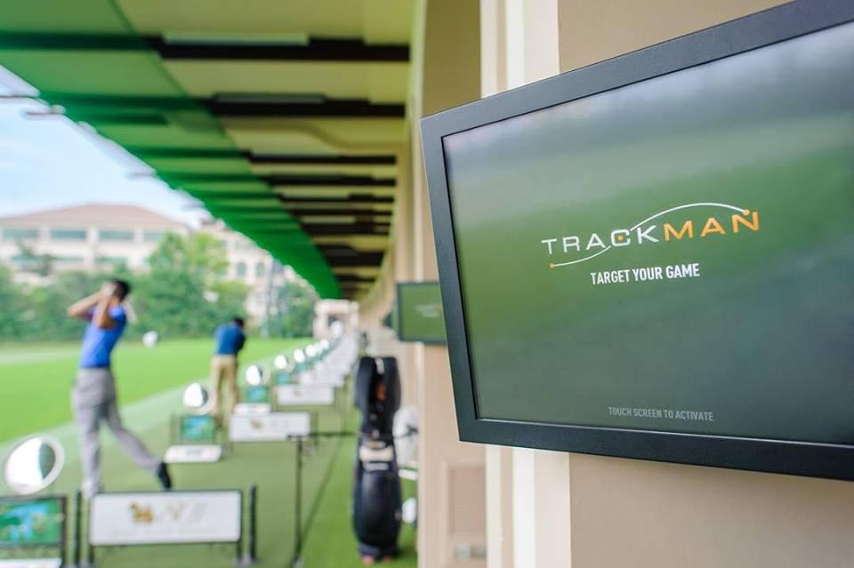 タイ、バンコクのゴルフ練習場「ポタライ・ゴルフ・イノベーション・パーク」で使える「トラックマン」