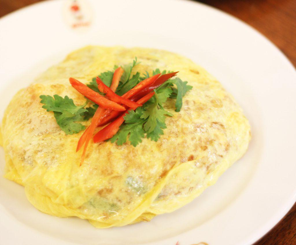 ゴルフがオフの日に家族連れで行きたい…タイ料理レストラン「ティップサマイ」の「パッタイ」