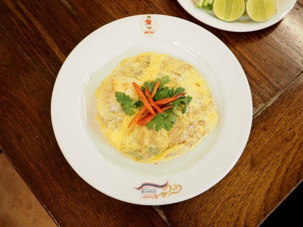 ゴルフがオフの日に家族連れで行きたい…タイ料理レストラン「ティップサマイ」の「パッタイホーカイ」