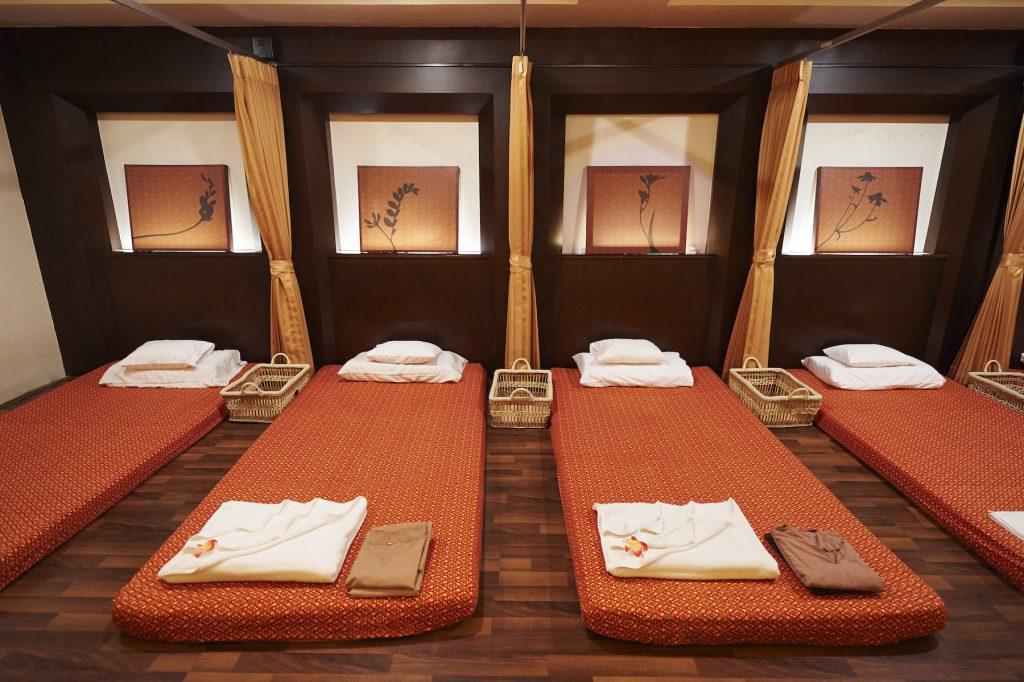 バンコクのタイ古式マッサージ店「at ease」の施術室