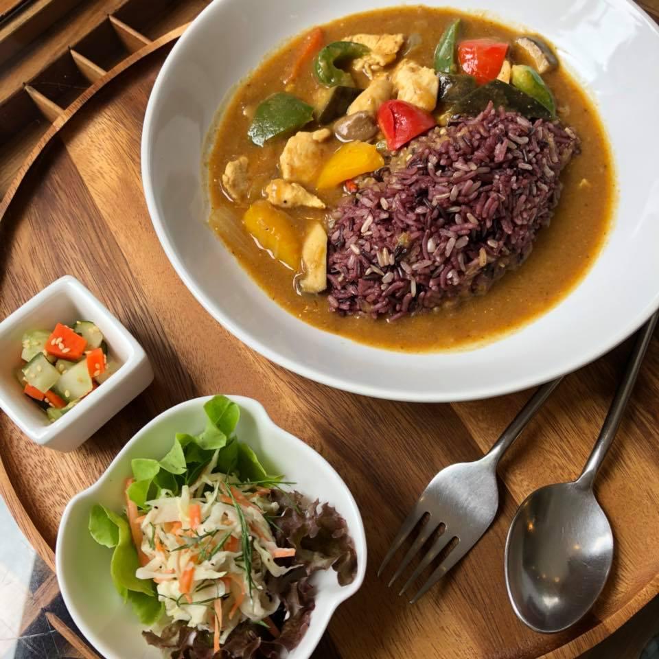 バンコクの米ぬか酵素風呂「サラブラン」のランチ