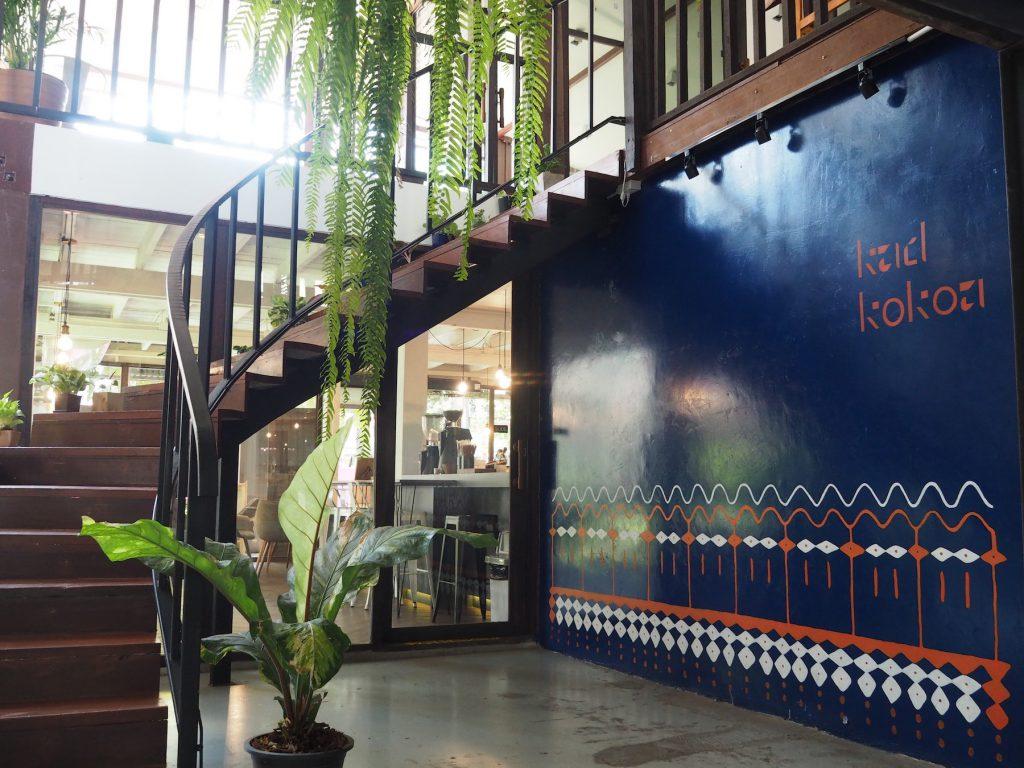 タイ産カカオ専門カフェ「KAD KOKOA」のエントランスホール