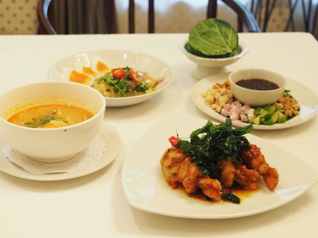 バンコクのタイ宮廷料理店「タンインレストラン」の料理