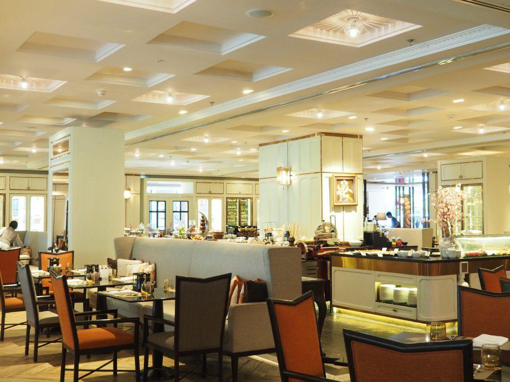 バンコクのホテルビュッフェ「レインツリーカフェ」の内観