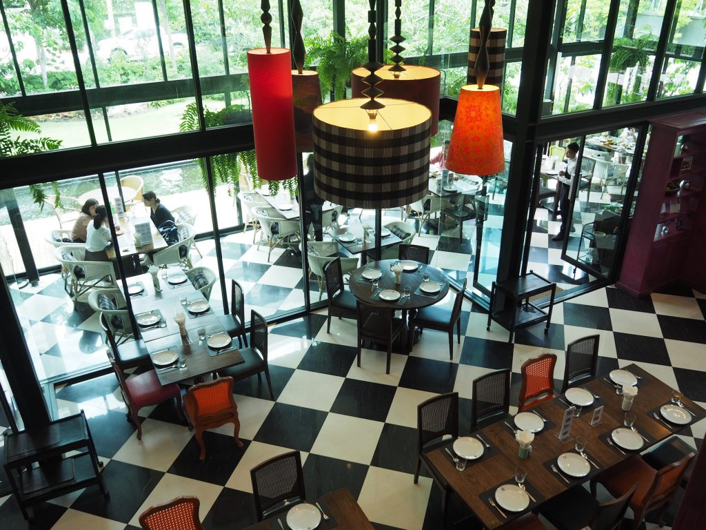 バンコクの一軒家タイ料理レストラン「タリンプリン スクンビット34店」の内観②