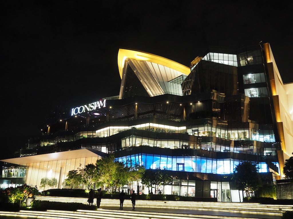 タイ最大のラグジュアリーなショッピングモール 「アイコンサイアム」でグルメもショッピングもとことん楽しむ!
