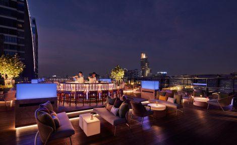 Spectrum Lounge & Bar バーカウンター