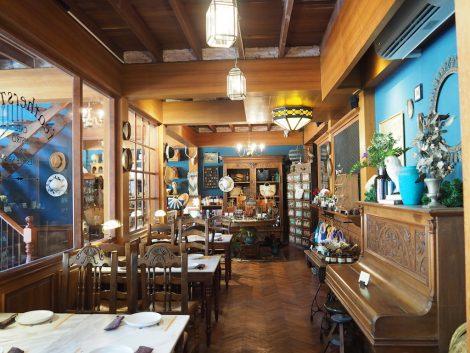 Featherstone Cafe 店内 客席
