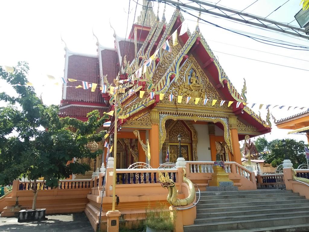 バンコクのローカルな寺「ワット・カチョンシリ」の境内にある 知る人ぞ知るタイの薬草ハーブサウナでサ活!