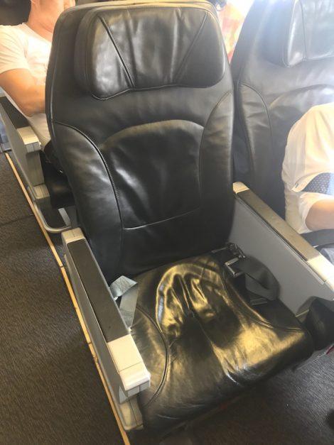 スクート 座席