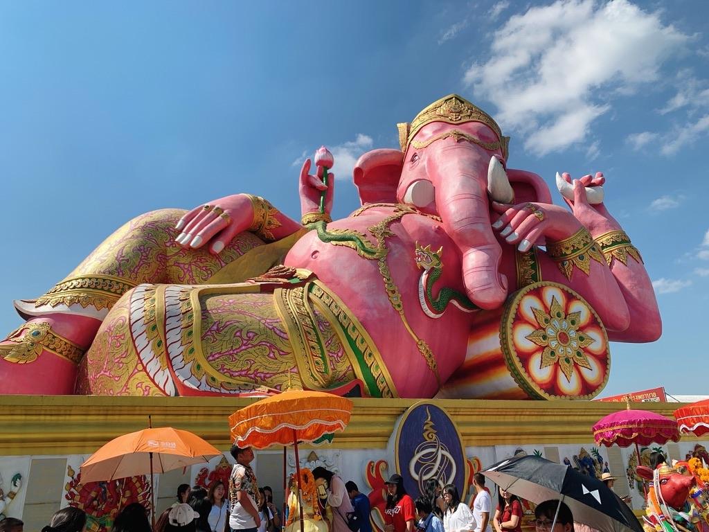 バンコクのインスタ映えスポット「ワット・サマーン・ラッタナーラーム寺院のピンクのガネーシャ」