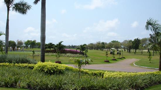 バンプーゴルフ&スポーツクラブ