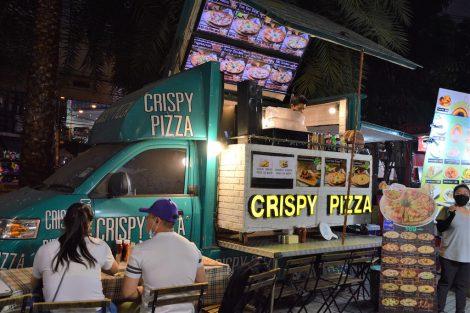 プラチナム 屋台 ピザ