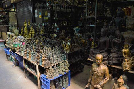 タープラチャン市場 仏像