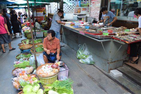 タープラチャン市場 野菜売り場