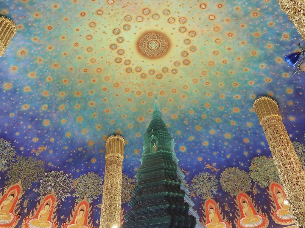 タイの極楽浄土はココにあり!?森羅万象を描いた天井画があまりに美しすぎる「ワット・パクナム」