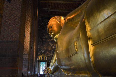 ワットポー涅槃像