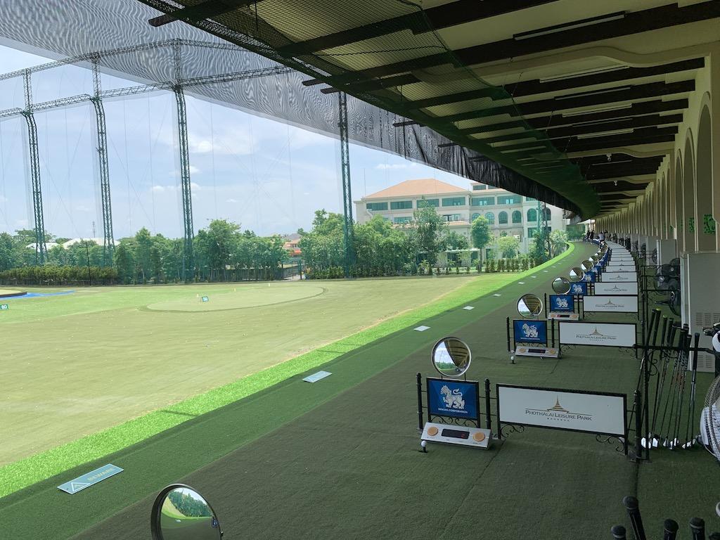 アジア最高級のゴルフ練習場「ポタライゴルフパーク(Phothalai Golf Park)」