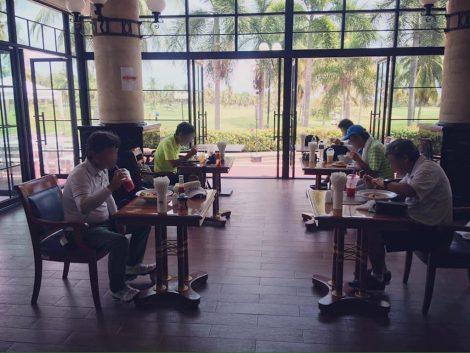 ゴルフ場 レストラン