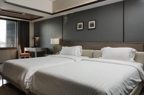 ホテル室内ベッドルーム①