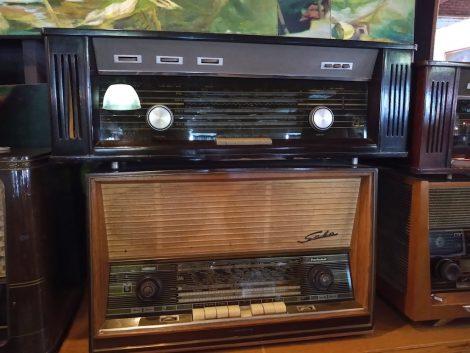 ヴィンテージショップ ラジオ