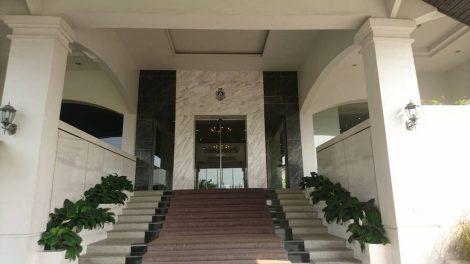 アルパイン 玄関
