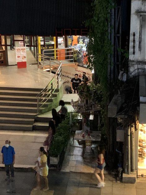 テーメーカフェ 入口検温