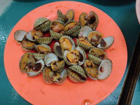老舗シーフード 赤貝