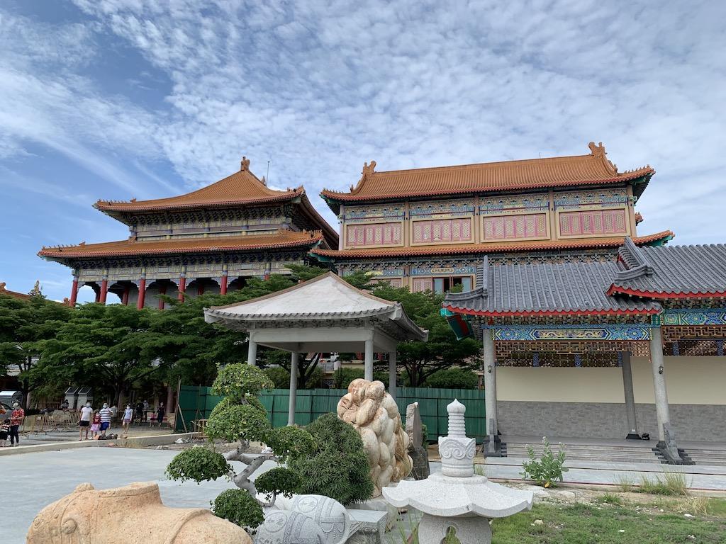 タイのノンタブリー県にある中国様式の寺院「ワット・ボロム・ラーチャー・カンチャナーピセーク・アヌソーン(Wat Borom Racha Kanjanapisek Anusorn)」