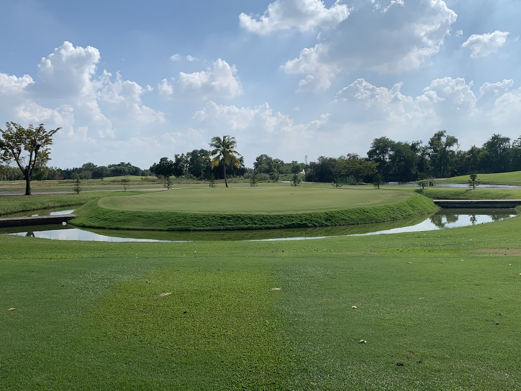 タイ・バンコクで18ホール全てに池や川が絡む難関ゴルフコース「ノーザンランシット・ゴルフクラブ(Northern Rangsit Golf Club)」