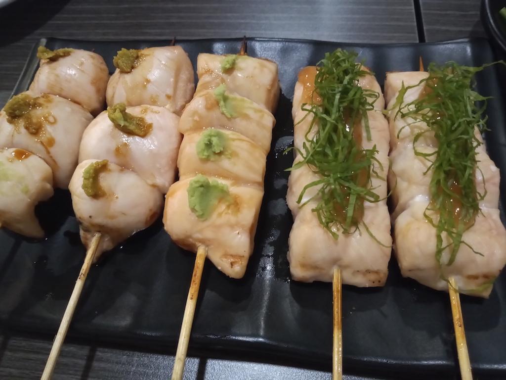 タイ・バンコクの地鶏専門店「伊勢」のコスパが高すぎる食べ飲み放題に驚愕!
