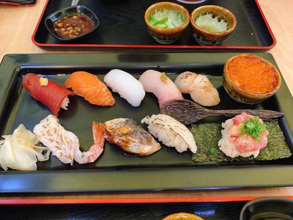 バンコク・トンローにある寿司の食べ放題で有名な寿司屋「田中水産(Tanaka Suisan)」