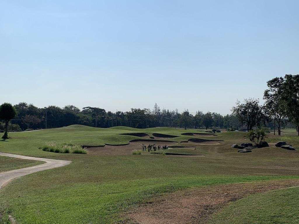 タイ・ホアヒンで家族との休暇やゴルフを楽しみながら過ごせるリゾート型のゴルフ場「レイクビューリゾート&ゴルフクラブ(Lake View Resort and Golf Club)」