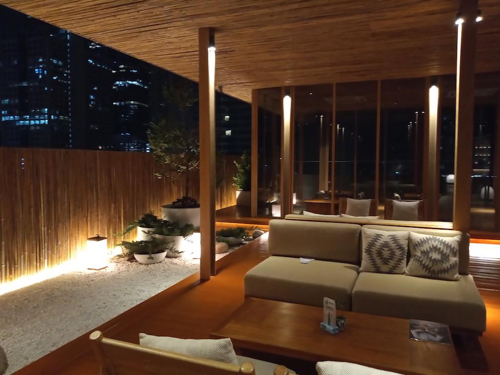 タイ・バンコクにあるレストランとルーフトップバーも併設の日本スタイルの温泉「湯の森(Yunomori Onsen)」その2