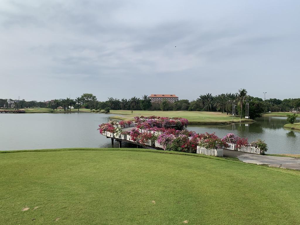 バンコク近郊のナイターもあるタイの名門ゴルフコース「パインハーストゴルフクラブ&ホテル(Pinehurst golf club & Hotel)」