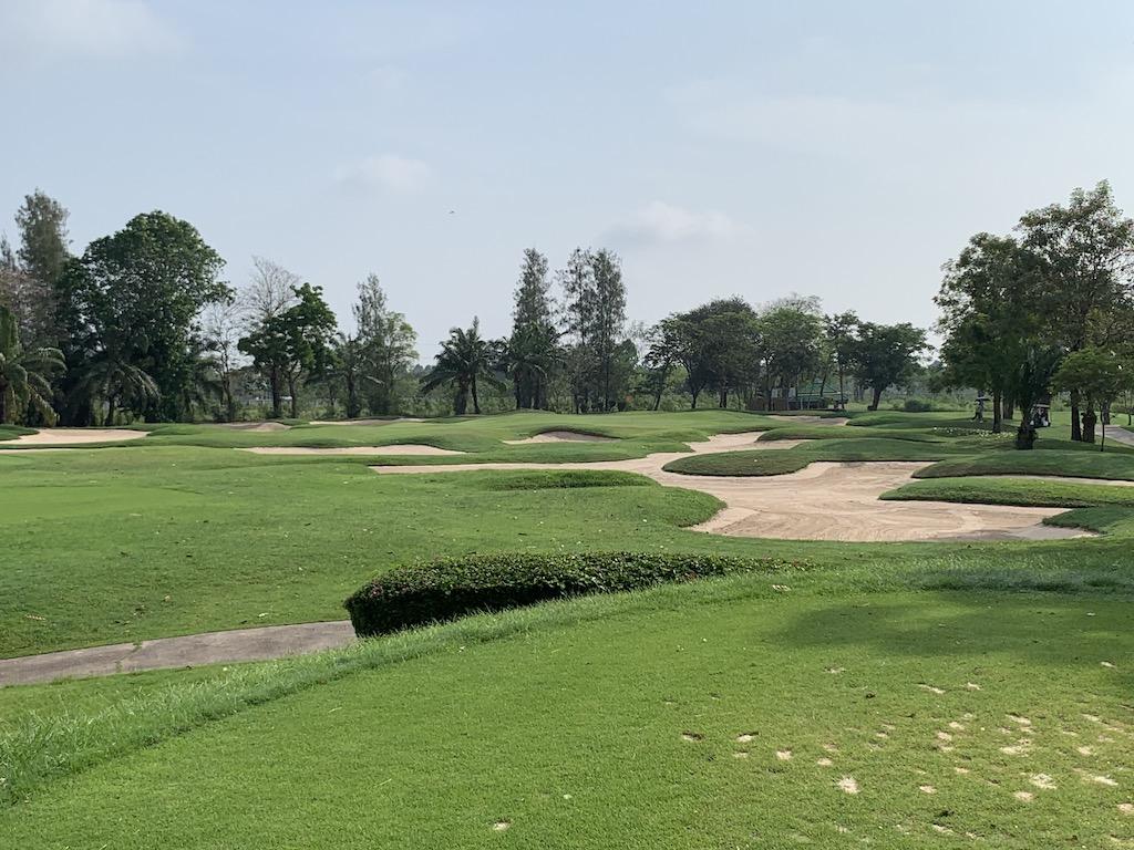タイ・バンコク近郊の36ホールある大型ゴルフコース「ウィンザーパーク&ゴルフクラブ (Windsor Park & Golf Club)」