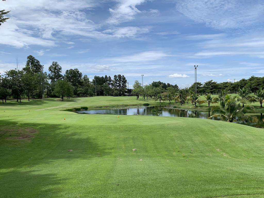 バンコク近郊のアユタヤにあるナイター完備のゴルフ場「ラチャカム・ゴルフクラブ(Rachakram Golf Club)」